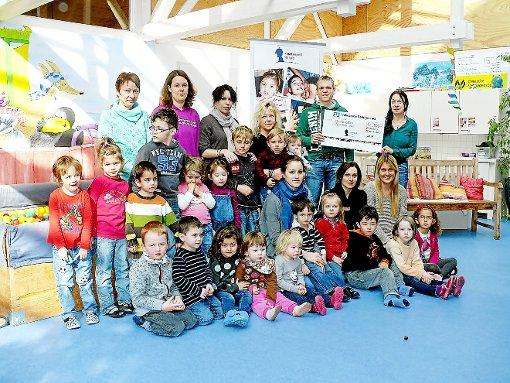 Spendenübergabe an den Kindergarten Neige
