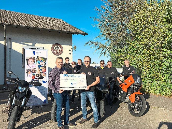 Geislinger Motorradclub spendet für Leopold-Stiftung